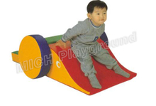 Baby play area 1098F